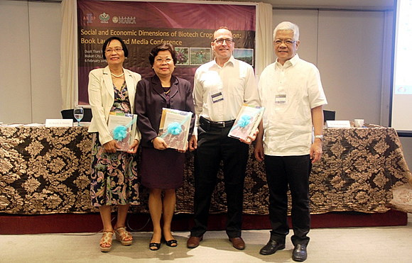 Guest speakers of the book launch (left to right): Chair of the DA Biotech Advisory Team Dr. Saturnina C. Halos, SEARCA Deputy Director for Administration Dr. Virginia R. Cardenas, ABSP II Director Dr. Frank A. Shotkoski, and ISAAA Global Coordinator and SEAsia Center Director Dr. Randy A. Hautea