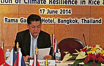 Dr. Suwit Chaikiyatiyos, Deputy Director-General, DOA, MOAC Thailand acted as the chairman of the workshop.