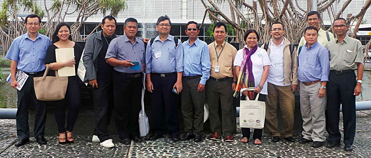 The participants during their visit to IRRI.