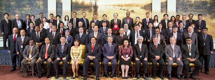 Dr. Gil C. Saguiguit, Jr. (last row, third from right), SEARCA Director, attended the 57th Session of the APO Governing Body held on 27 April 2015 in Bangkok, Thailand. (Photo courtesy of Thailand Productivity Institute)