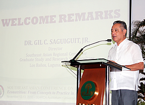 Dr. Gil C. Saguiguit Jr., SEARCA Director, welcomes the participants to the conference.