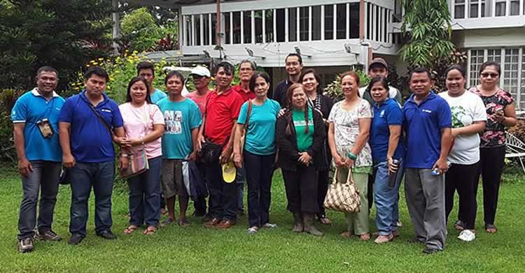 The participants of the Farmer Cooperators' Day Tour