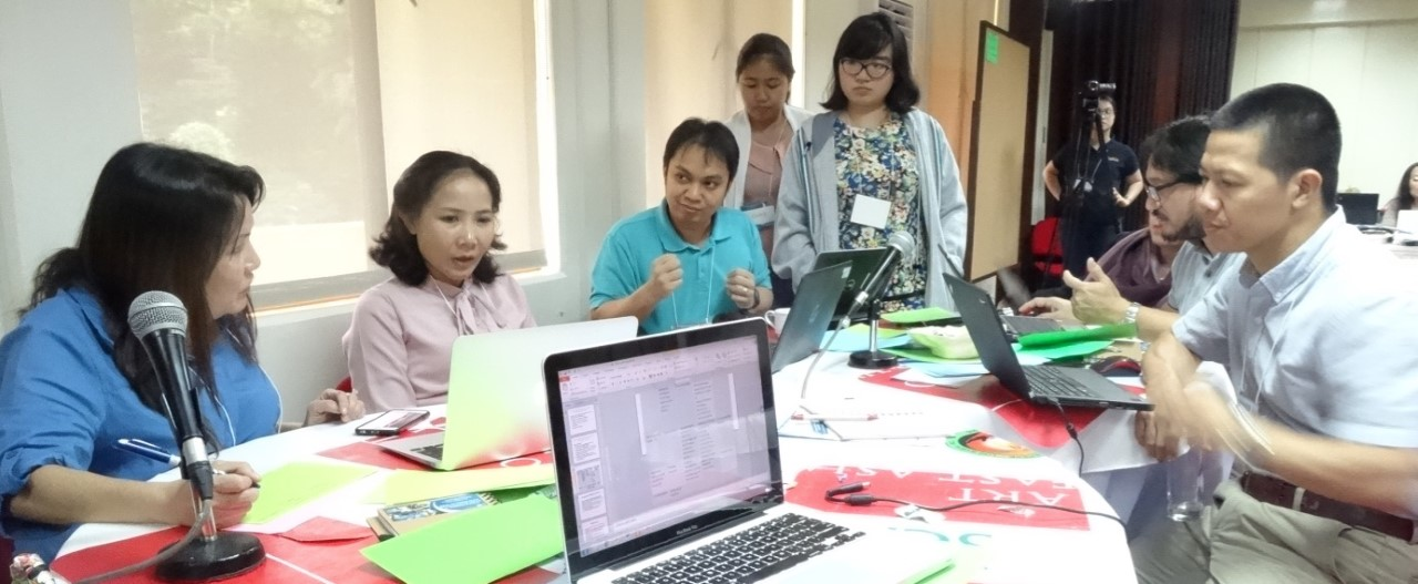 Group working on Mekong project