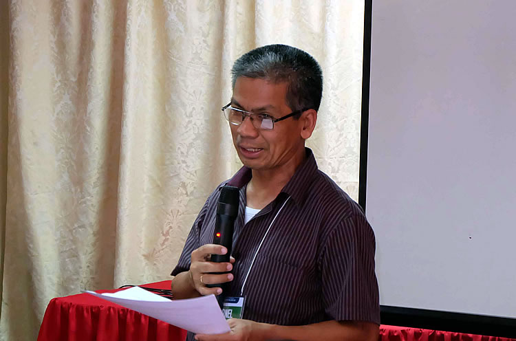 "Dr. Arnel del Barrio, Acting Executive Director of Philippine Carabao Center, officially welcomes the Regional Lead Knowledge Products Writers to the ""Training of Trainers in Writing Effective Knowledge Products"" on 18 – 21 April 2016 at Basco, Batanes."