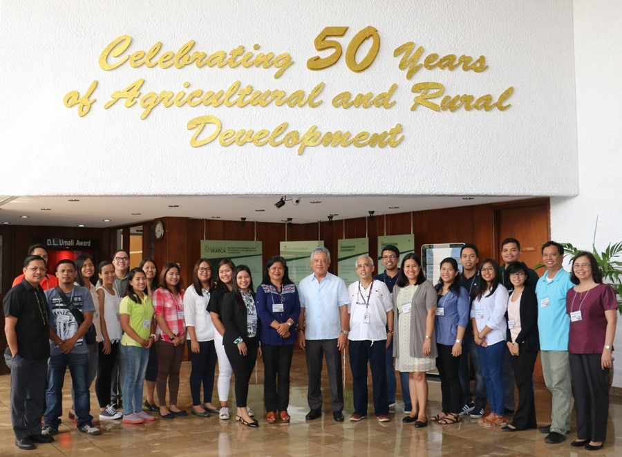 Dr. Gil C. Saguiguit, Jr. (center) with the participants of the training, DA-BAR technical staff, financial viability project consultants, and SEARCA PDTS representatives.